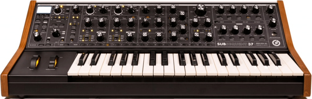 Demonstrates the front panel and keyboard of the Subsequent 37 paraphonic analogue synthesizer.