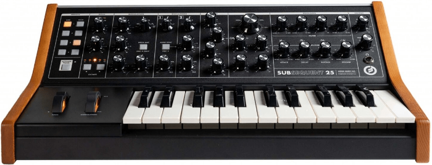 Demonstrates the front panel and keyboard of the Subsequent 25 paraphonic analogue synthesizer.